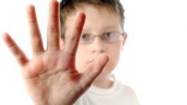 چگونه مهارت نه گفتن را در کودکان و نوجوانان تقویت کنیم؟