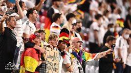 عکس  تلخترین لحظه یورو/ این کودک اشک همه را درآورد