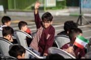 کلاس اولیها هر ۱۴۰۰ را حضوری به مدارس رفتند/ خانوادهها از نگرانیهایشان میگویند